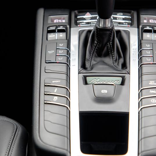 2016-porsche-macan-s-diesel-black-7.jpg