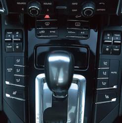 2013-porsche-cayenne-diesel-black-9.jpg