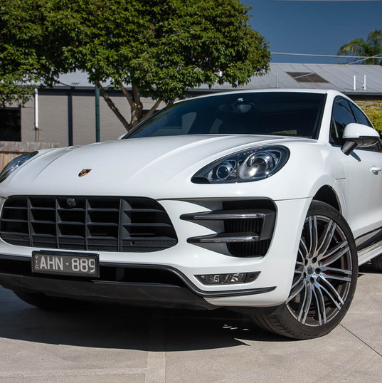 2016-macan-turbo-white-31.jpg