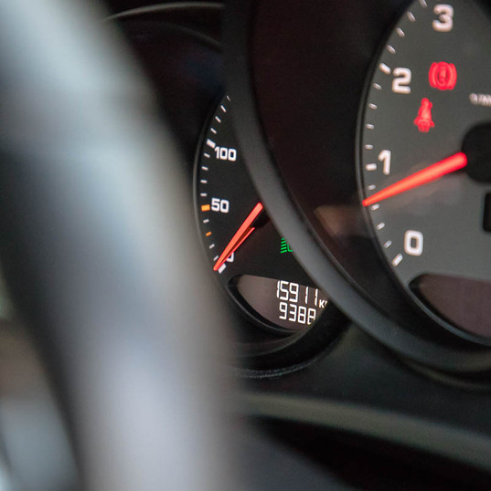 2015-macan-s-petrol-grey-12.jpg