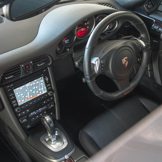 2010-porsche-911-carrera-997-2-grey-16.j