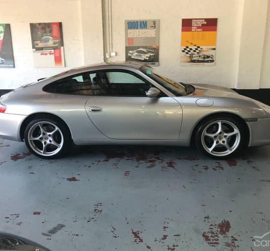 2001-porsche-911-carrera-996-iphone-13.j