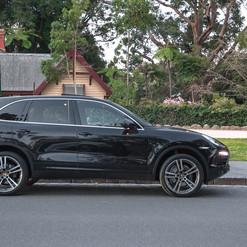 2013-porsche-cayenne-diesel-black-2.jpg