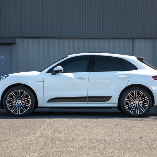 2016-macan-turbo-white-24.jpg