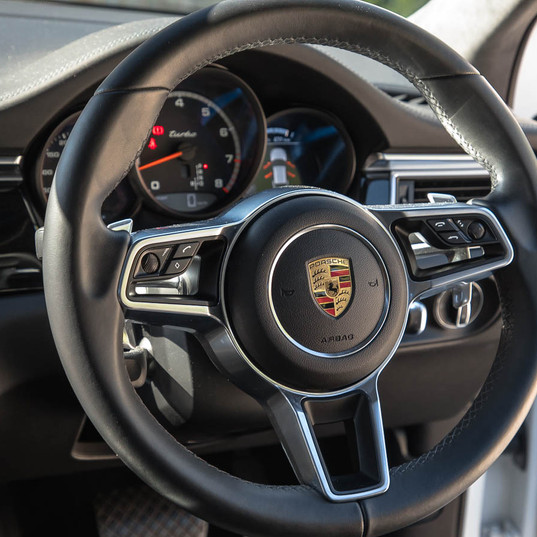 2016-macan-turbo-white-29.jpg