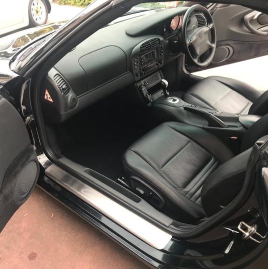 1999-porsche-911-996-cabrio-black-15.jpg