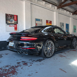 991-turbo-black-10.jpg