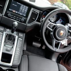 2016-porsche-macan-s-diesel-black-9.jpg