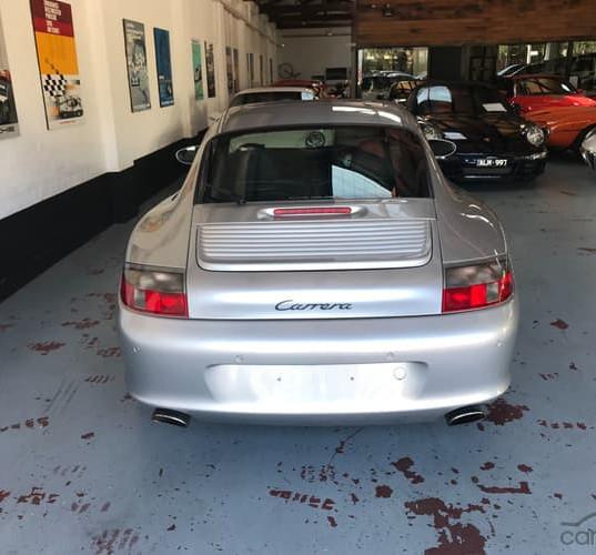 2001-porsche-911-carrera-996-iphone-11.j