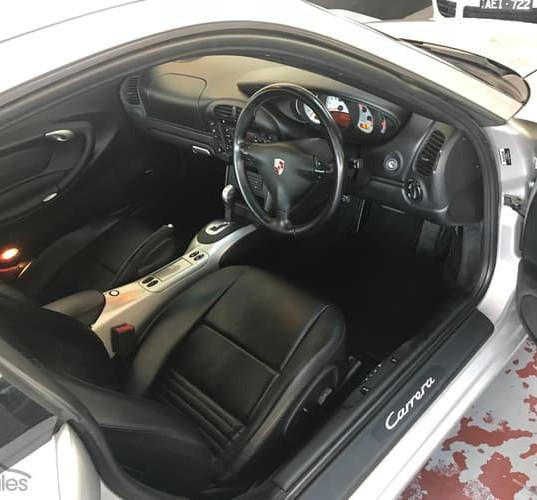 2001-porsche-911-carrera-996-iphone-9.jp