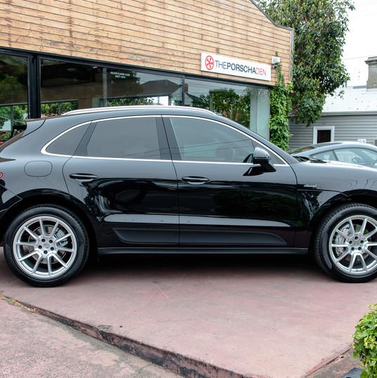 2016-porsche-macan-s-diesel-black-32.jpg