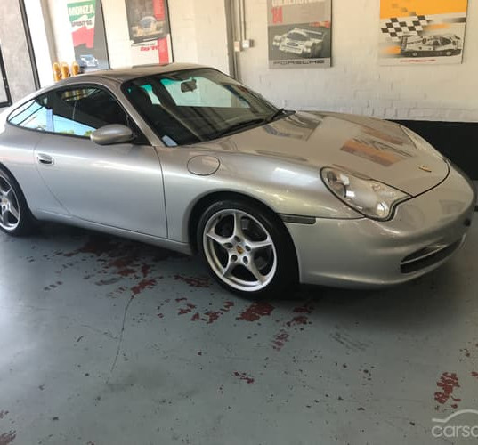 2001-porsche-911-carrera-996-iphone-14.j