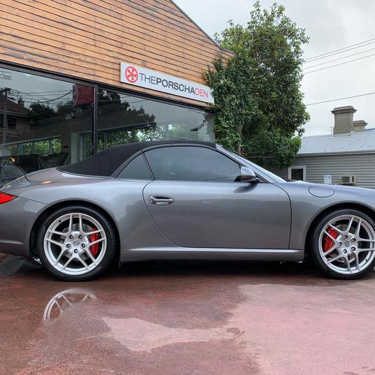 2009-porsche-911-carrera-s-cabrio-grey-3