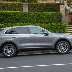 2015-cayenne-diesel-grey-22.jpg