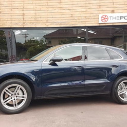 2016-porsche-macan-s-diesel-blue-iphone-