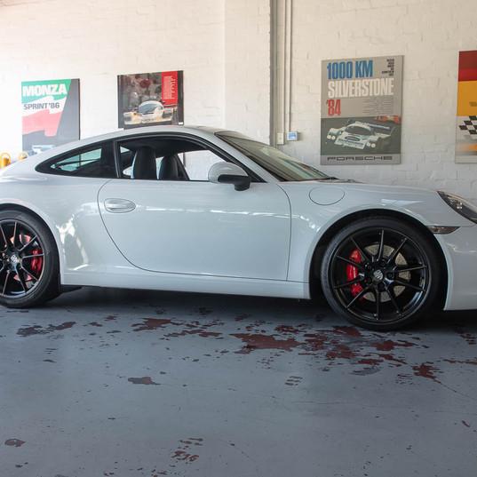 2012-porsche-911-carrera-s-white-black-w