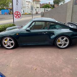 1998-porsche-911-993-turbo-s-green-43.jp
