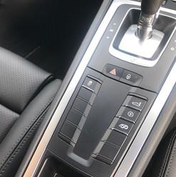 2018-porsche-718-cayman-black-14.jpg