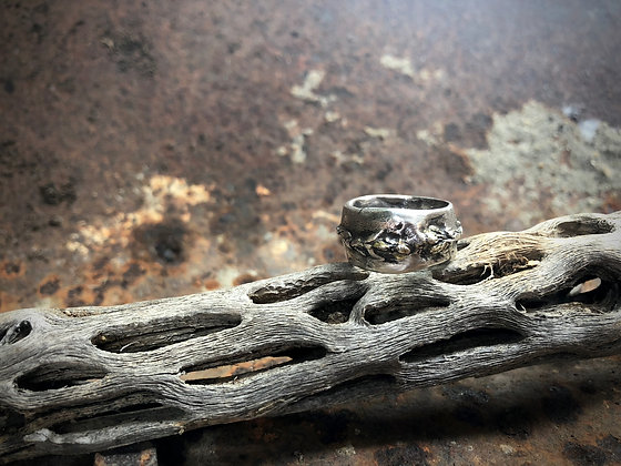 The Cedar Branch Ring - Size 7