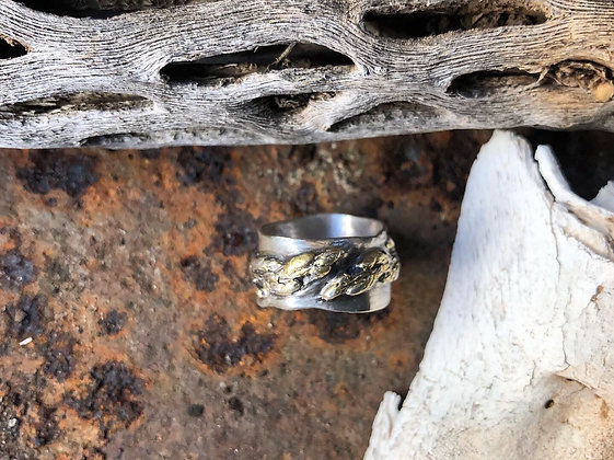 The Cedar Branch Ring - Size 4 1/2