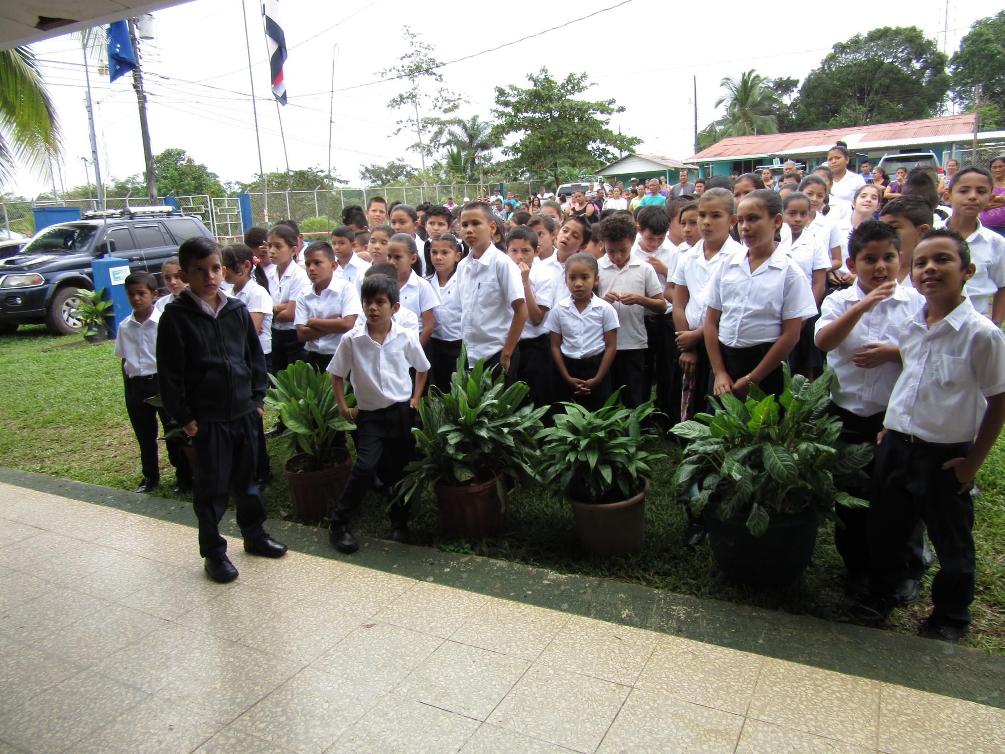 Los Chiles school