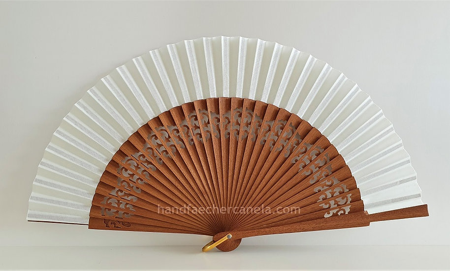 Hochwertiger Handfächer aus Holz und Stoff. Handgemacht in Spanien. Elfenbein Farbe. AEA Bezeichnung