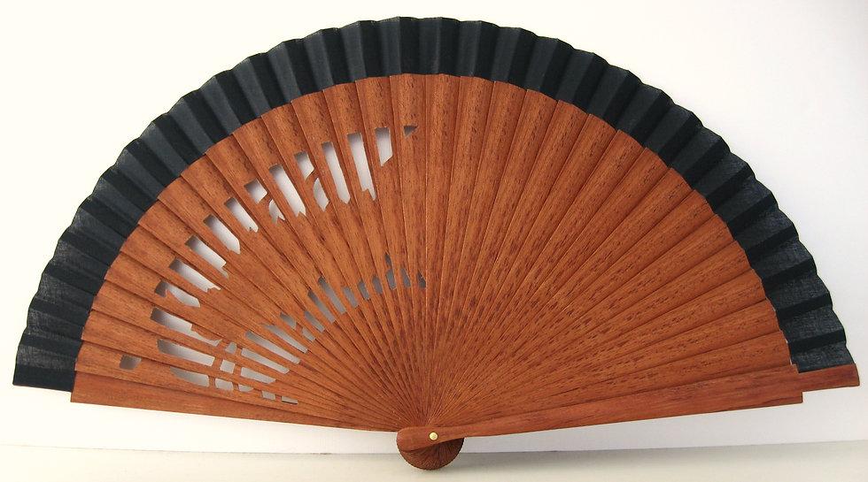 Qualitativer Handfächer aus Holz mit Stoff in schwarz. Markenfächer AEA. Canela