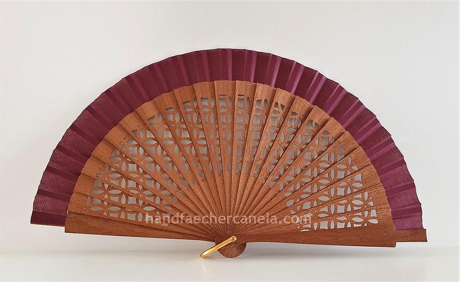 Hochwertiger Handfächer aus Holz und Stoff. Modernes Design. Handgemacht in Spanien. AEA Bezeichnung. Farbe dunkelrot.