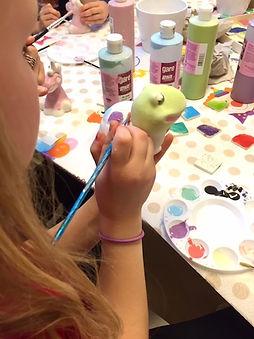 Födelsedagskalas på Kreativia med keramikmålning