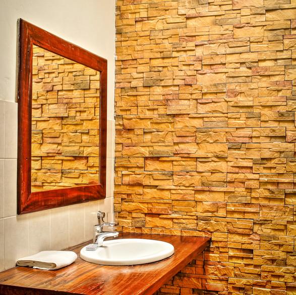 Room 2 Bathroom.JPG