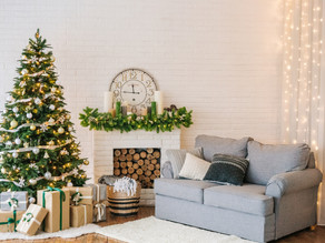 How to Decorate for the Holidays in Dementia Care Communities