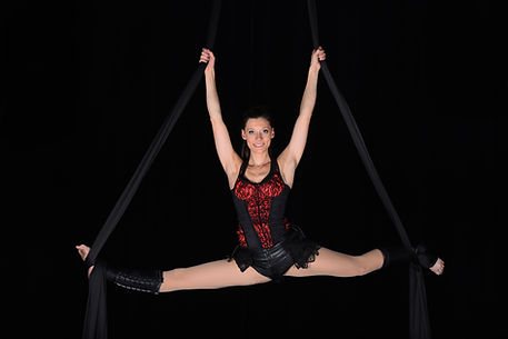 acrobate aérien, tissu, draps, foulard, danse