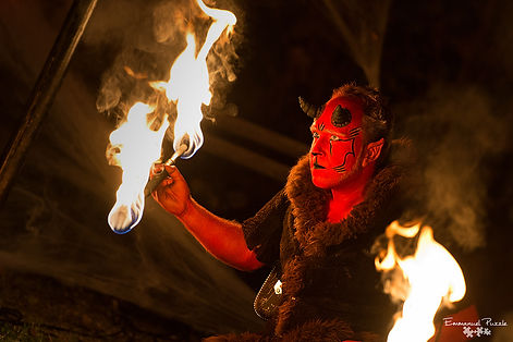 Spectacle de feu, diable, animation