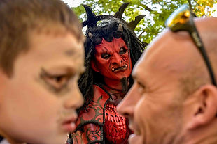 Diable, masque, spectacle de rue, halloween