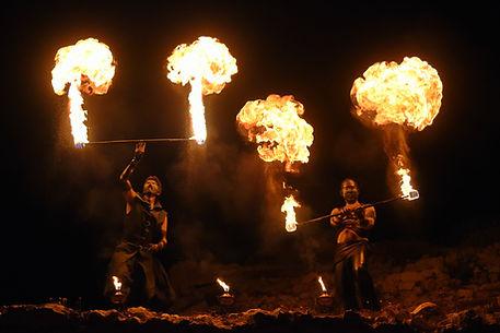 spectacle de feu, cracheur de feu, feu, artifices
