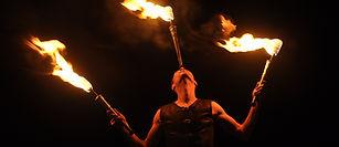spectacle de feu, spectacle de rue, spectacle pyrotechnique