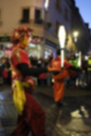 aniaion de nuit, spectale, nocturne, jongleur