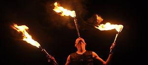 animation de rue, spectacle de feu, spectacle pyrotechnique, danse de feu, animation feu, feu et artifices