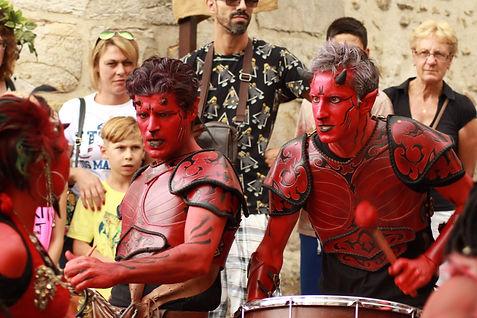 Maquillage, spectacle de rue, musique