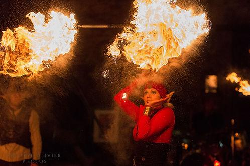 animation de Noël, spectacle de rue, spectacle de feu, lutins noël