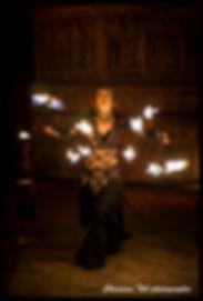 Spectacle de feu, danse de feu, manipulation de feu