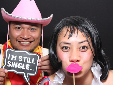 Photo booth hire.....Your not single !