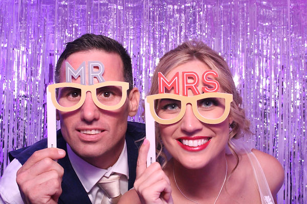 photoillustrated_photo_booth_hire_weddings_&_parties
