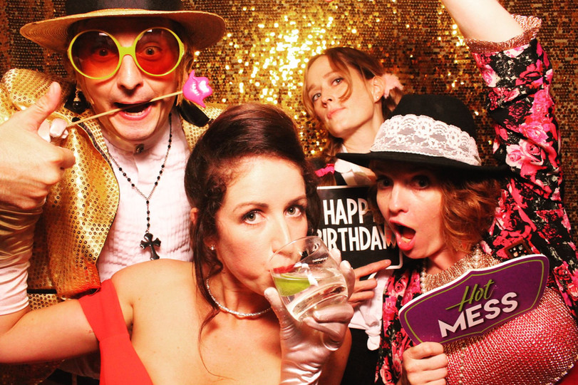 photo booth hire photoillustrated.jpg