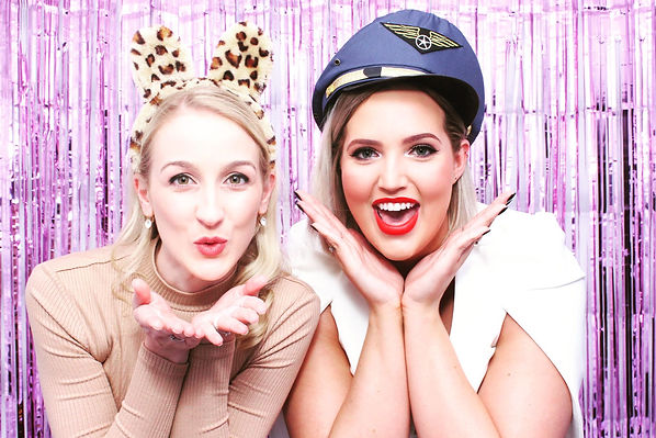 photoillustrated_photo_booth_hire_pink_tinse_backdrop