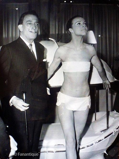 Salvador Dali - Photograph, Women of the future 1965