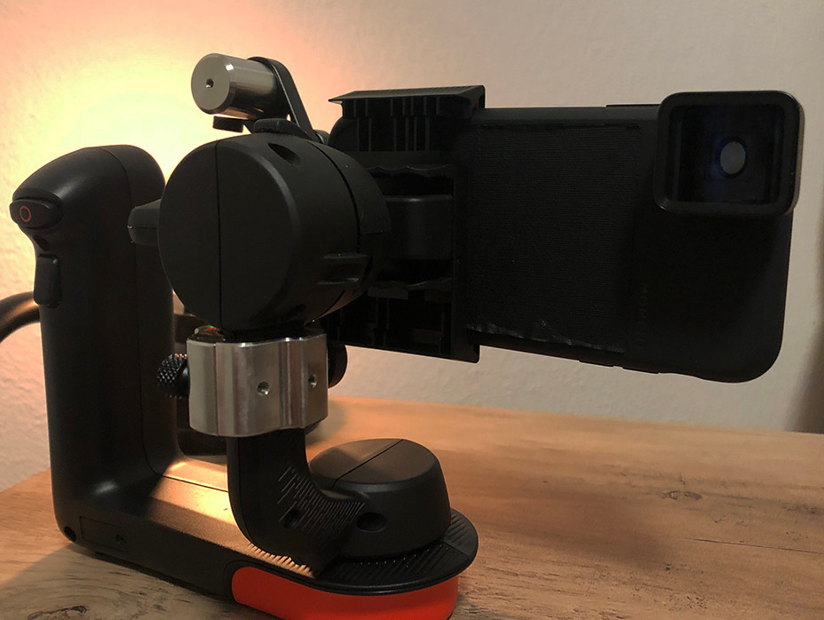 Movi Gimbal With iPhone10 And Moment Lens