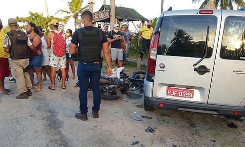 acidente-com-dois-jovens-em-porto-seguro