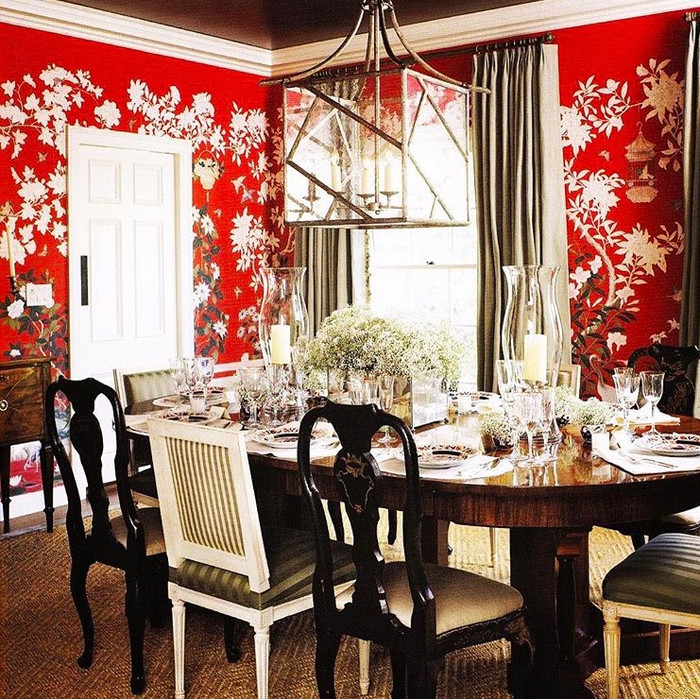 HOT FOR HUE: RED DECOR IN THE DINING ROOM