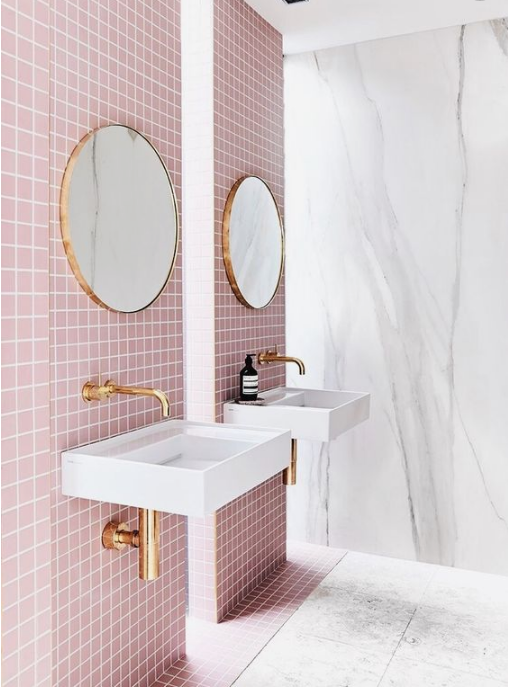 HOT FOR HUE: PINK DECOR IN THE BATHROOM